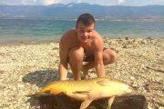 Γριβάδι 16 κιλών στη λίμνη Πολυφύτου