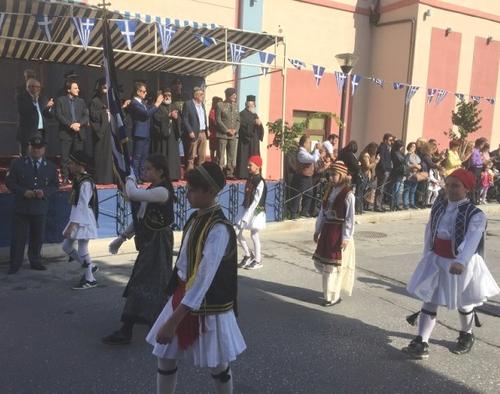 Βίντεο και φωτογραφίες από τον εορτασμό της 10ης Οκτωβρίου στα Σέρβια