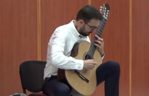 Βίντεο από το ρεσιτάλ κιθάρας του Αντωνίου Κωνσταντόπουλου στο Πολιτιστικό κέντρο Σερβίων